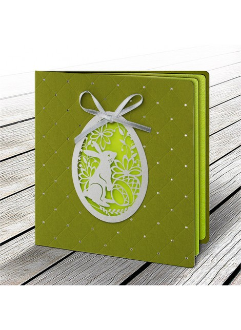 Kartka Świąteczna z Aplikacją w Postaci Ażurowego Jajka 4 W602