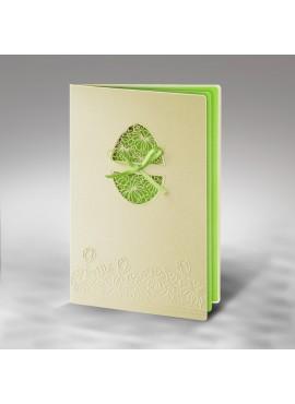 Kartka Świąteczna z Wyciętą Pisanką oraz Wytłoczonym Motywem Kwiatowym W277