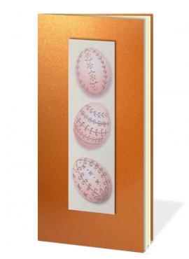 Kartka Świąteczna z Aplikacją Przedstawiającą Trzy Różowe Pisanki W31